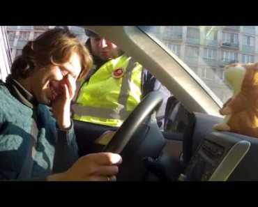 Talking hamster and traffic cop (funny Russian ad) - talking hamster and traffic cop funny russian ad