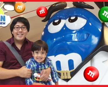 Giant M&M Candy in M&M's Toy Store Family Fun for Kids with Ryan ToysReview - giant mm candy in mms toy store family fun for kids with ryan toysreview