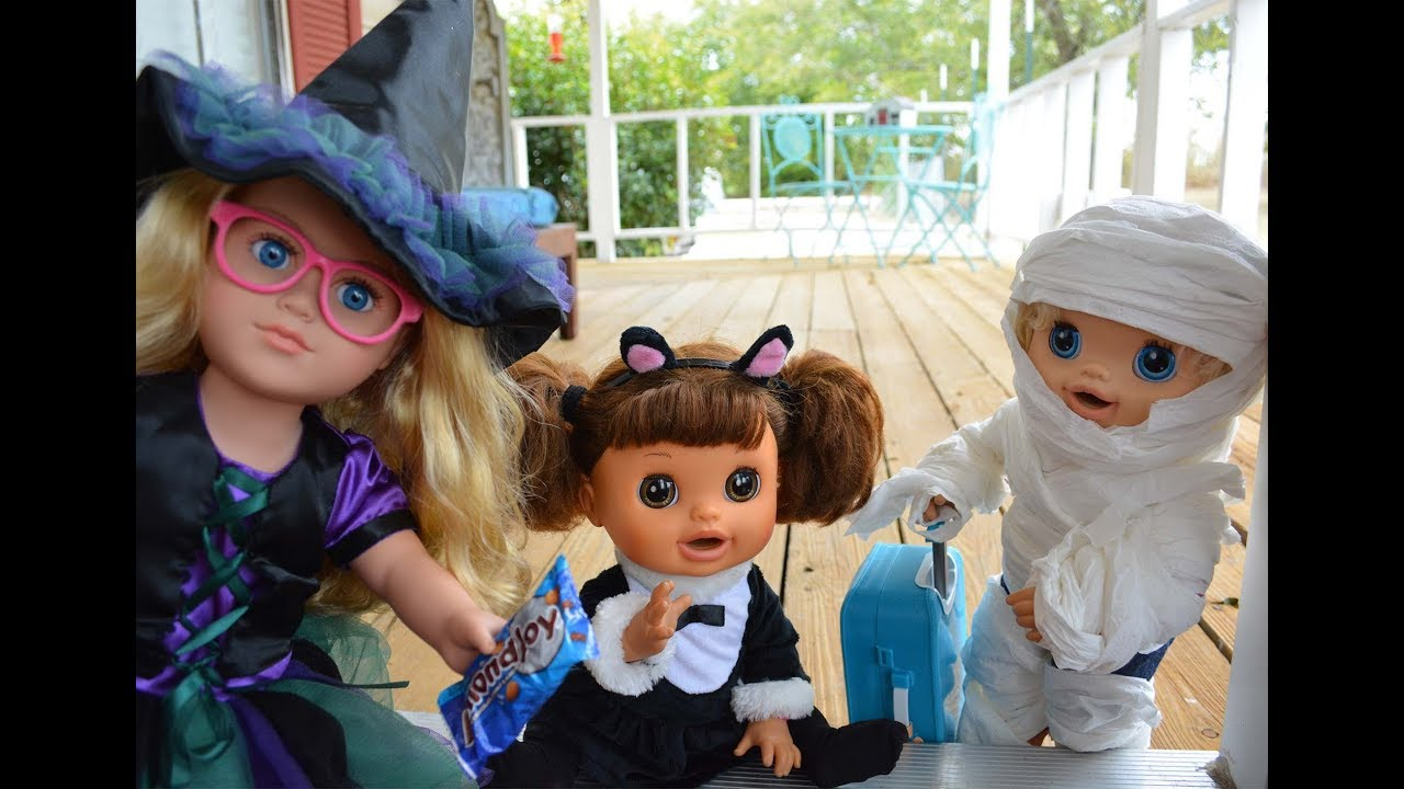 funny! baby alive halloween movie! baby alive trick or treating