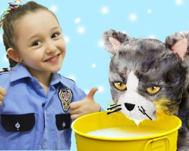 ÖYKÜ POLİS KEDİLERE SÜT ALIYOR Funny and Fun Kid Videos - oyku polis kedilere sut aliyor funny and fun kid videos