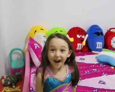 ÖYKÜYE BÜYÜK SÜRPRİZ BARBİE RÜYA KARAVANI Barbie Dolls in Dream Camper, Funny and Kids Videos - oykuye buyuk surpriz barbie ruya karavani barbie dolls in dream camper funny and kids videos