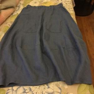 朝のスカート