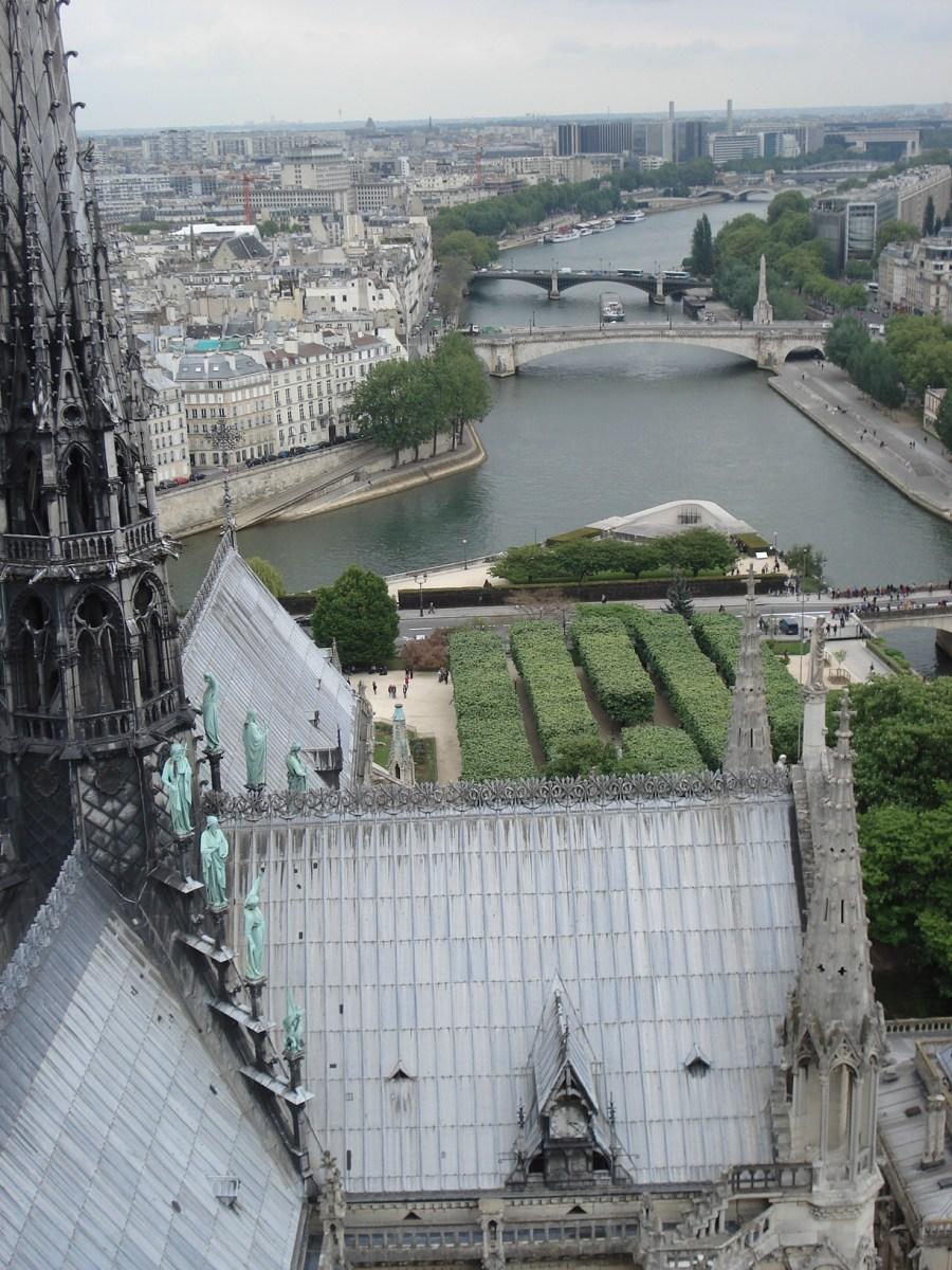 パリの思い出、ノートルダム大聖堂の鐘楼から見た尖塔