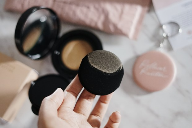 Review Rollover Reaction Cushion Compact SPF 27 Tinted