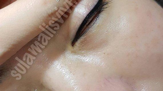 Manfaat Sulam Eyeliner bagi wanita