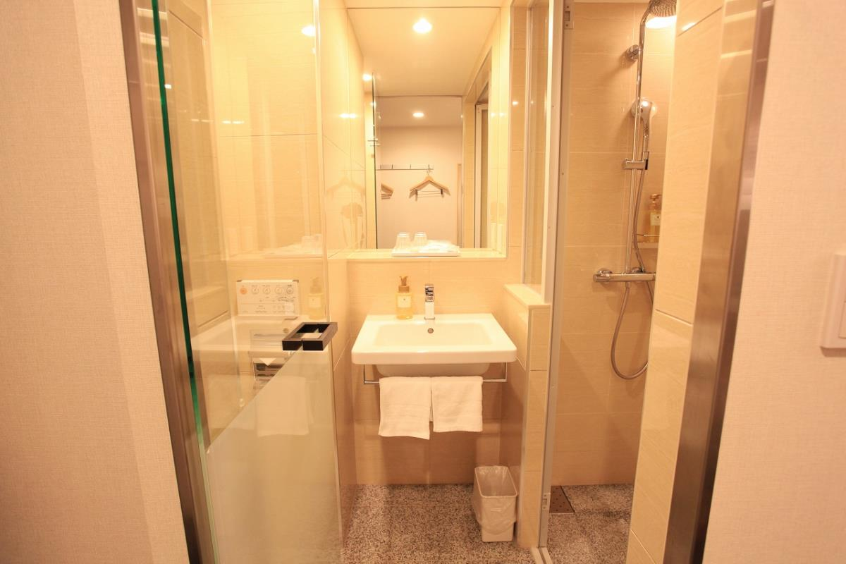 Urban Hotel Kyoto Nijo Premium-BATHROOM (O)