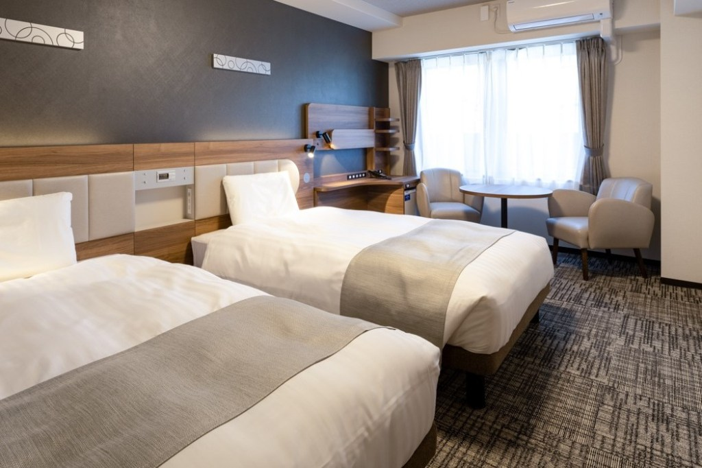 Standard Twin Room | Room Size: 23 ㎡ | Bed Width: 123 cm | Capacity: 1 - 2 persons |