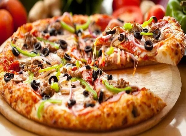 طريقة عمل البيتزا بدون خميرة وبدون فرن