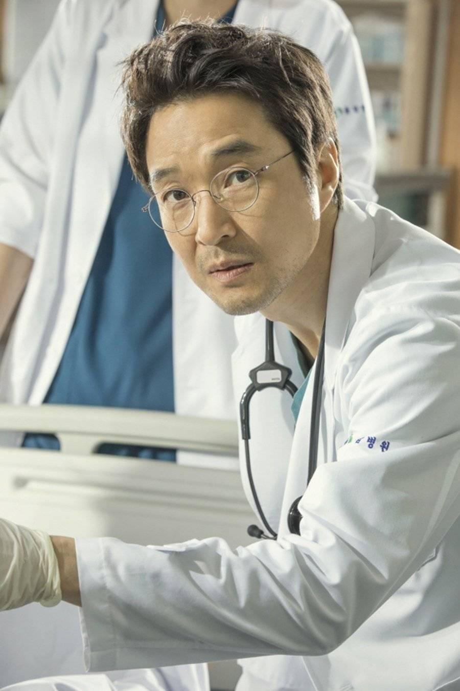 Romantic Doctor Drakorindo : romantic, doctor, drakorindo, Romantic, (Korean, Drama, 2020), 낭만닥터, 김사부, HanCinema, Korean, Movie, Database