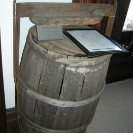 apple barrel header, display rm