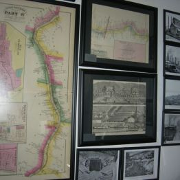 maps & pictures, display rm