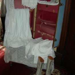 suitcase & boots, Olive's rm