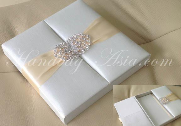 Ivory Wedding Box With Luxury Rhinestone Clasp