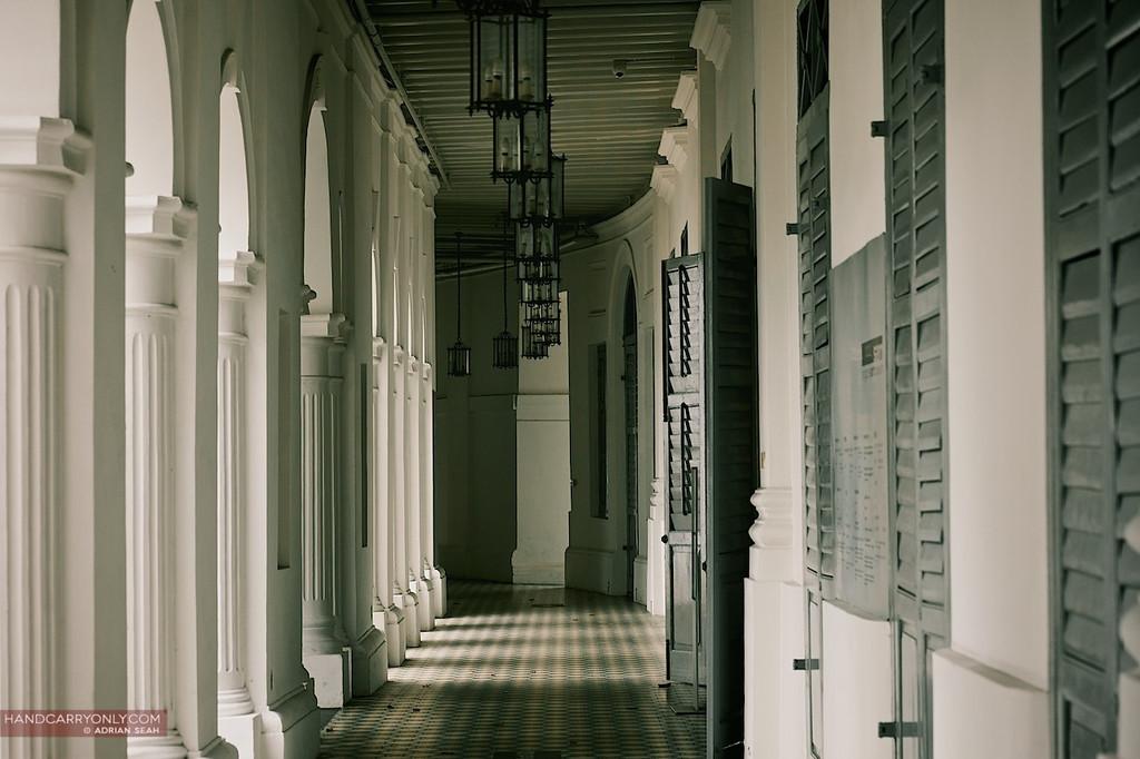 singapore art museum corridor