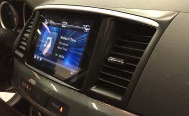 2008 Mitsubishi Lancer iPad install