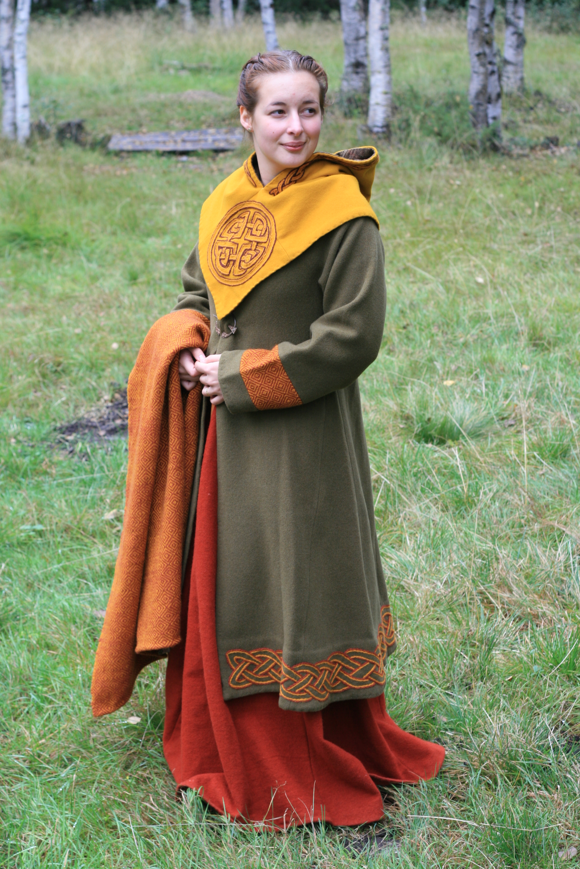 dac640021043 Vikingatida kvinnodräkt   HANDCRAFTED HISTORY