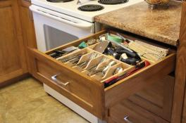Oversized cutlery drawer