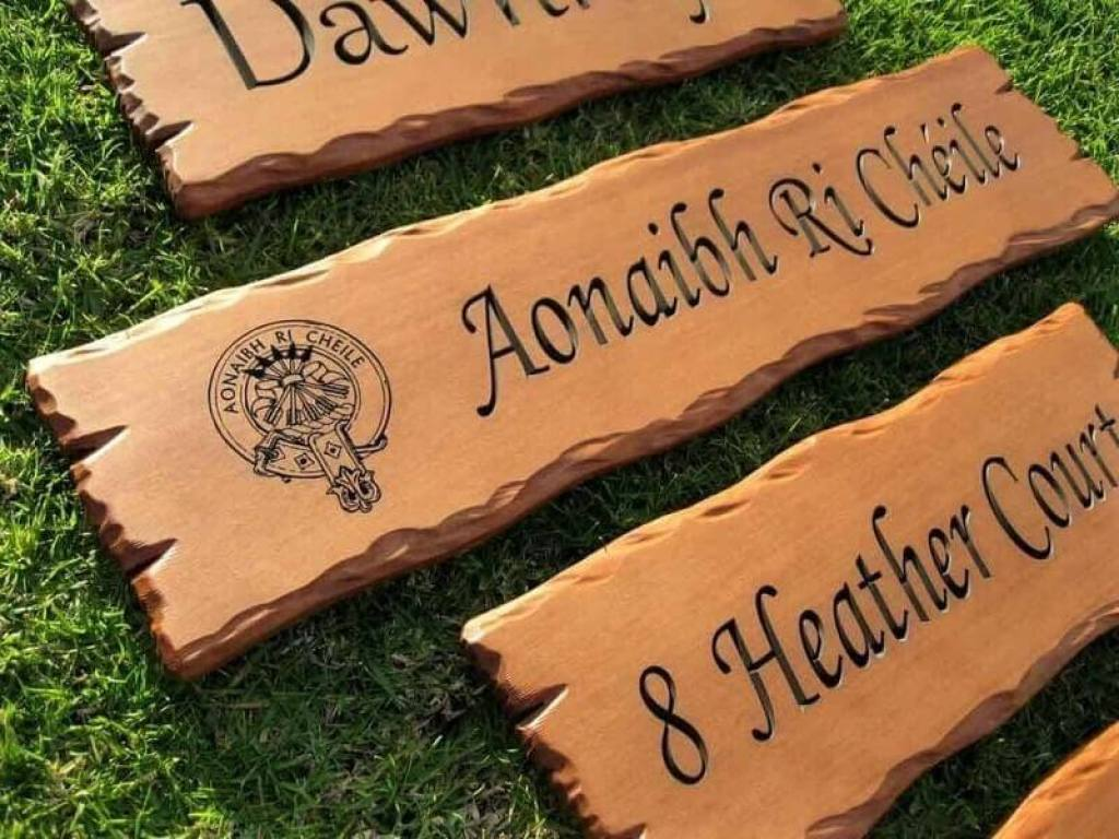 engraved-timber-signs-AustralianWorkshopCreations----wooden-signs-rustic-edge-style