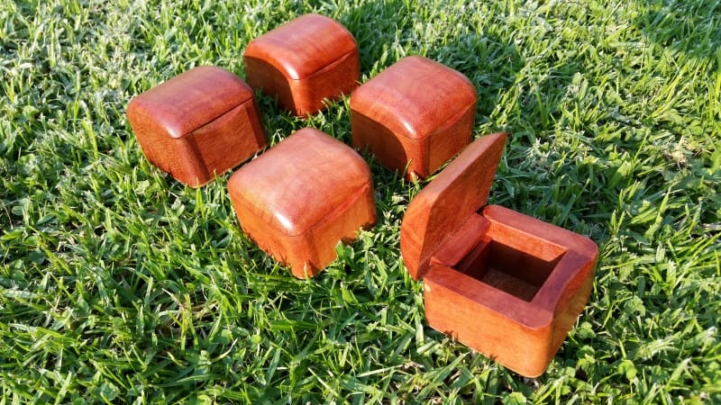 small-timber-boxes-tiny-redgum-ring-box-AustralianWorkshopCreations--wooden-boxes (6)