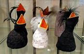 Hungriga fågelungar i papiermache