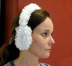 Gosiga öronvärmare av fårskinn