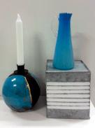 Rakubränd ljusstake och liten glaskanna