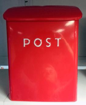 Gladröd brevlåda