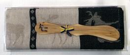 Handduk och smörkniv med älgmotiv