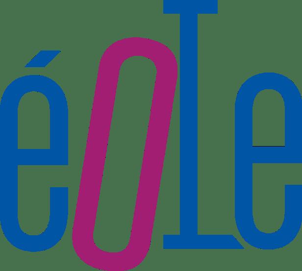 Logo d'EOLE. Les lettres du mot Eole prennent tous la surface. Le é est de couleur bleue, le o est légèrement incliné vers la droite et rouge. Rnfin les lettres l et e sont bleues.