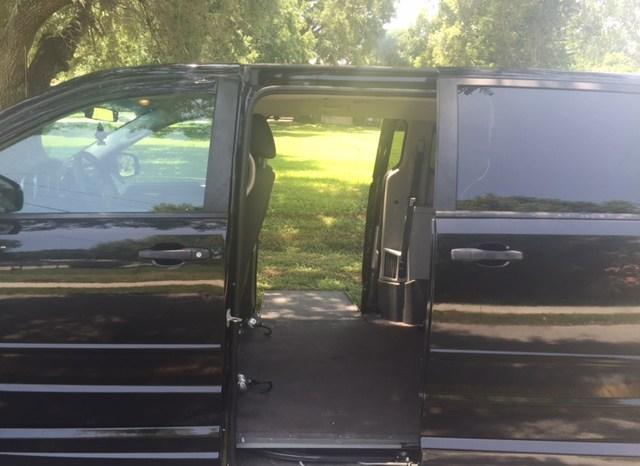 2008 Dodge Grand Caravan Side Entry full