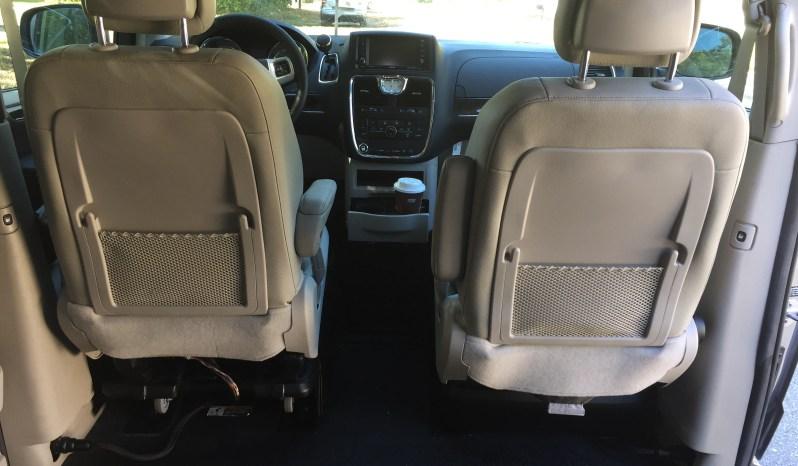 2015 Chrysler Town & Country Touring full