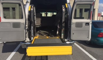 2009 Ford E350 Rear Entry Wheelchair Full Size Van full