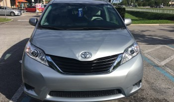 2016 Toyota Sienna VMI Side Entry Wherlchair Van full