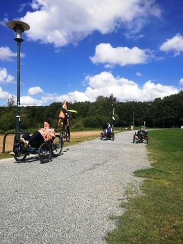 3 cyclistes vus de devant