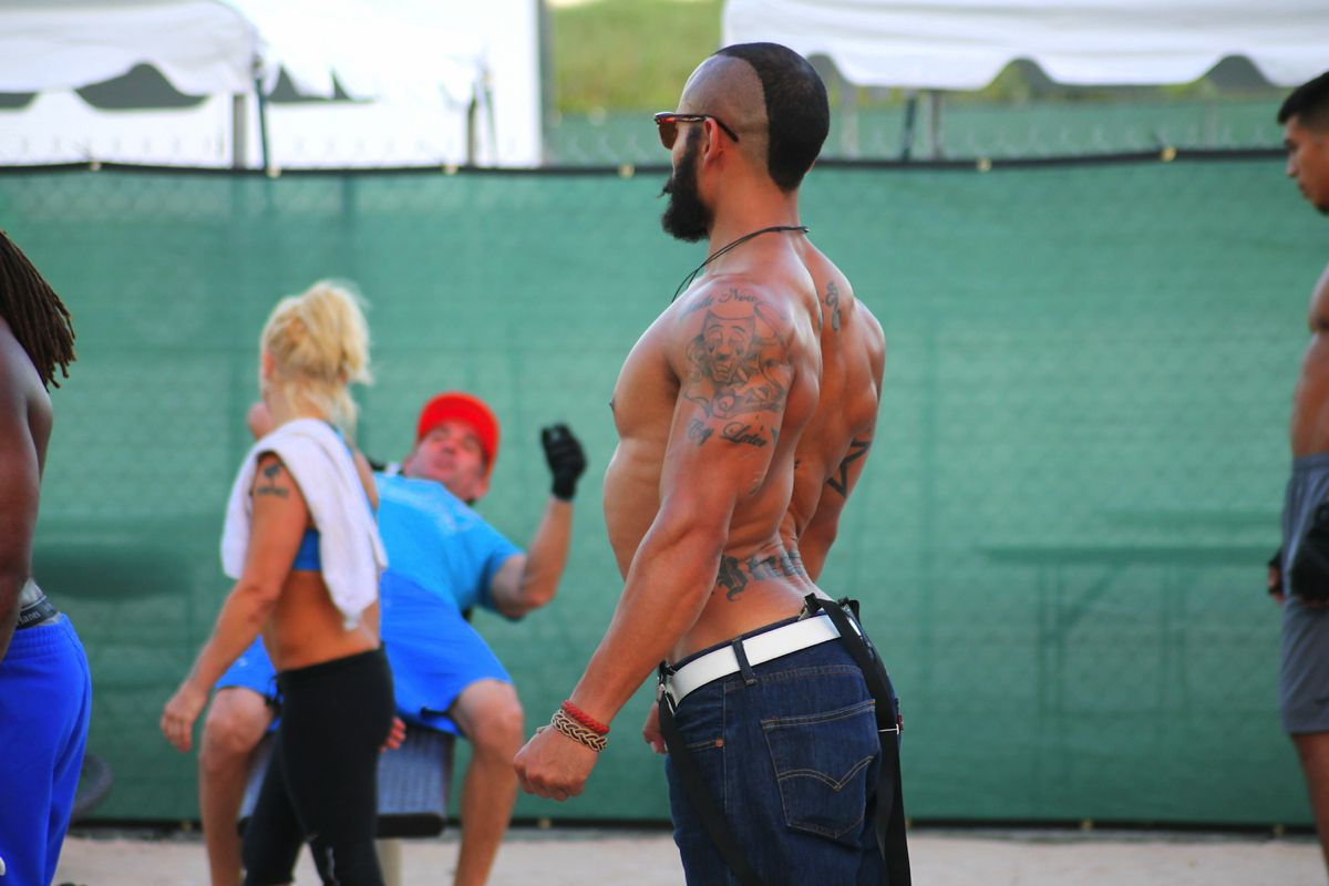 People watching in Miami. Muscle, Beach and Cars. (5)