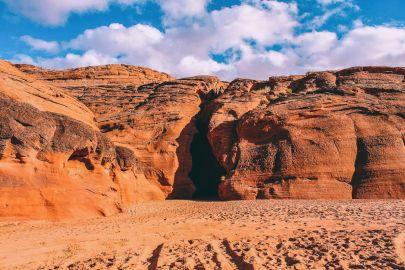 Galloping through Antelope Canyon in Arizona, USA (6)