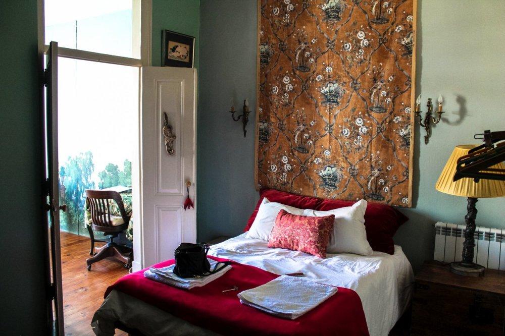 The Artist's Apartment... Lisbon, Portugal (10)