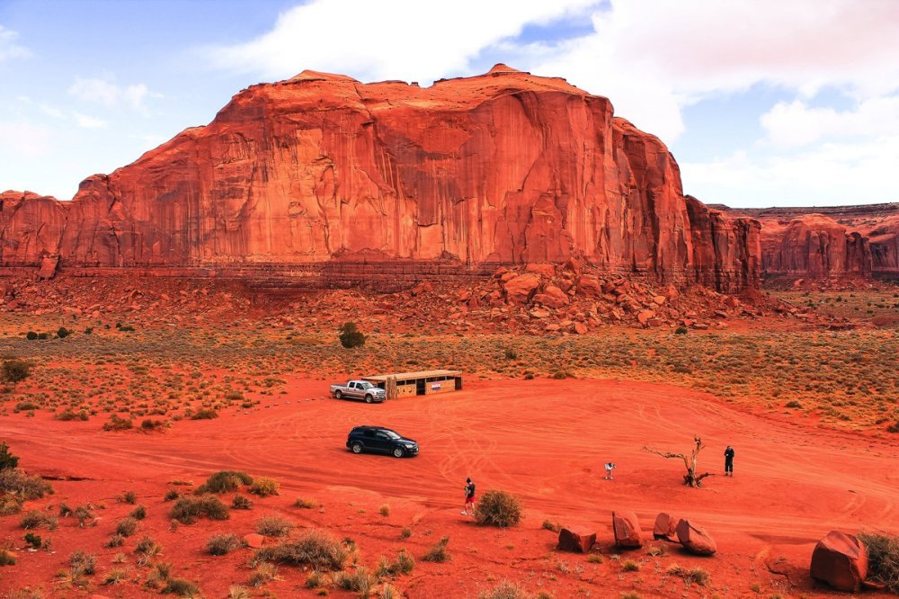 Monument Valley - Zipping back and forth between Utah and Arizona! (18)
