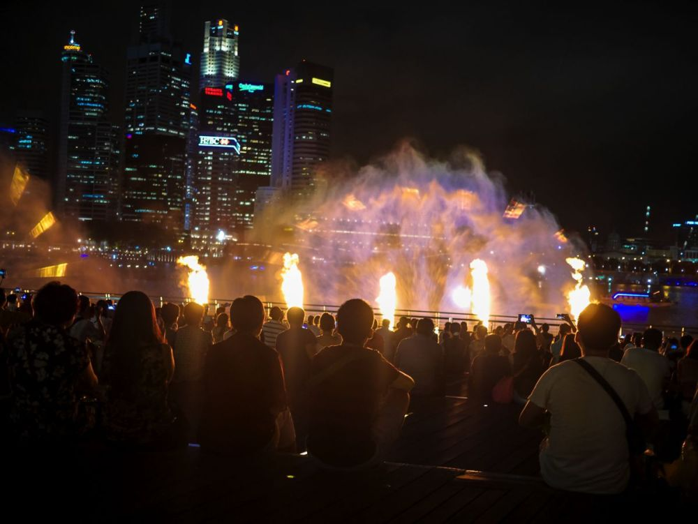 "Fire, Water and Light - The ""Wonder Full"" Spectacular on the Marina Bay, Singapore (11)"