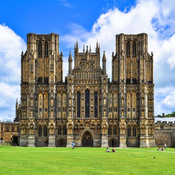 10 Stunning Gothic Architecture You Must See In The UK! (6)