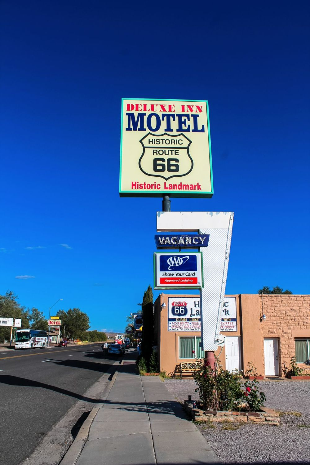 Road Trip USA! The legendary Route 66 and Road Kill Cafe! (22)