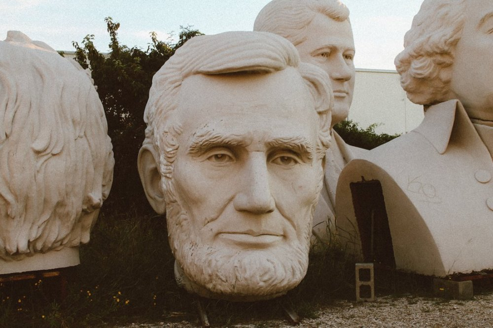 Pit stop in Houston, Texas? Go check out the giant Beatles and US Presidents! (5)
