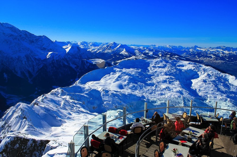 24 Restaurants With The Best Views In The World! (10)