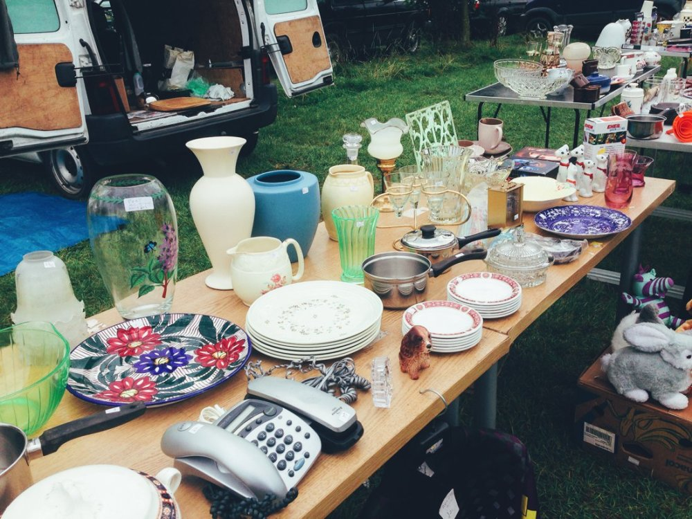 Furniture Hunting at Car Boot Sale UK on Hand Luggage Only Blog (3)