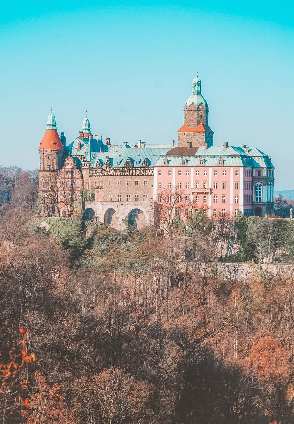 Pretty Castles In Europe To Visit (23)