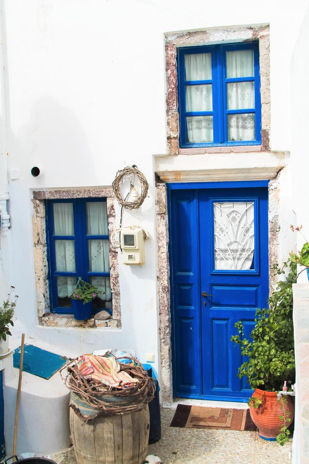 Going Off The Beaten Track in Santorini... (15)