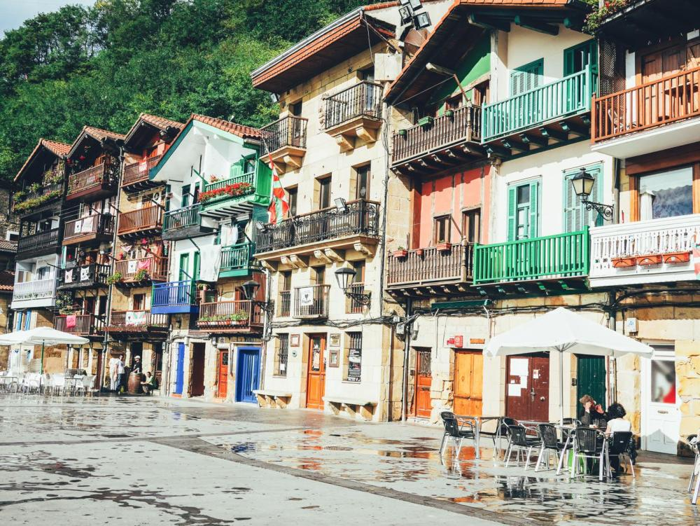 Cobbled Streets, Alley Ways And Seafood... Fish, Monkfish, Hake, Restaurant Ziaboga, Basque Country, Pasaia, Spain (1)
