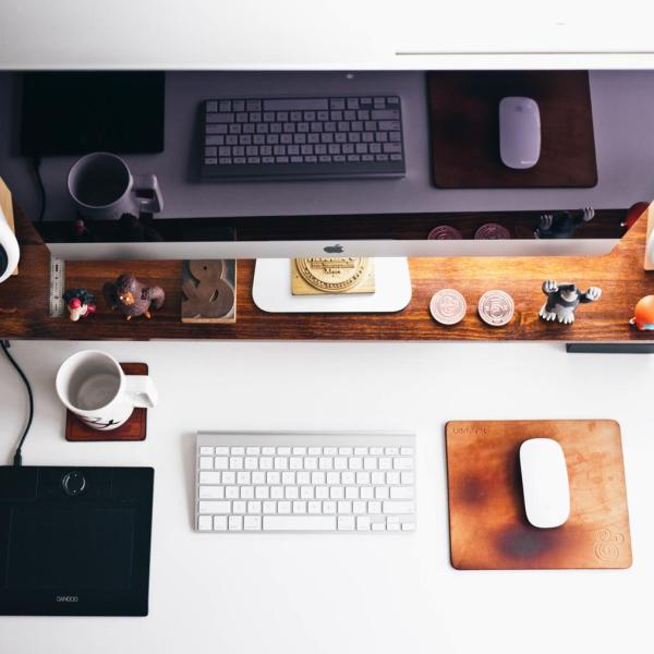 Home Workspace Inspiration by Jeff Sheldon on Hand Luggage Only Blog (6)