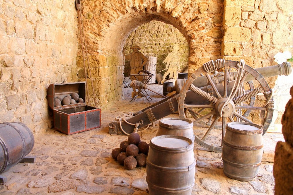 Things To See And Do In The Old Town in Ibiza! (12)