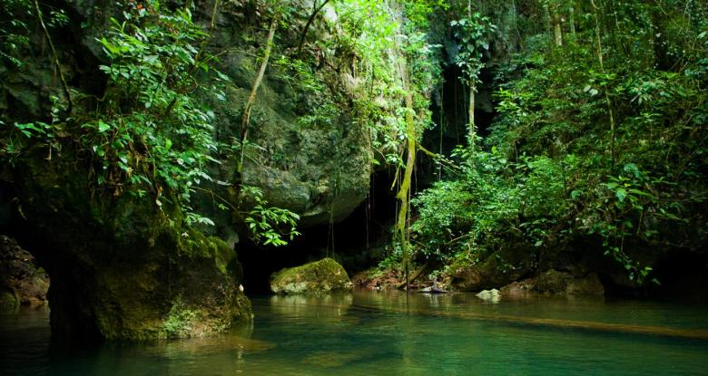 12 Impressive Caves Around The World You Need To See! (21)